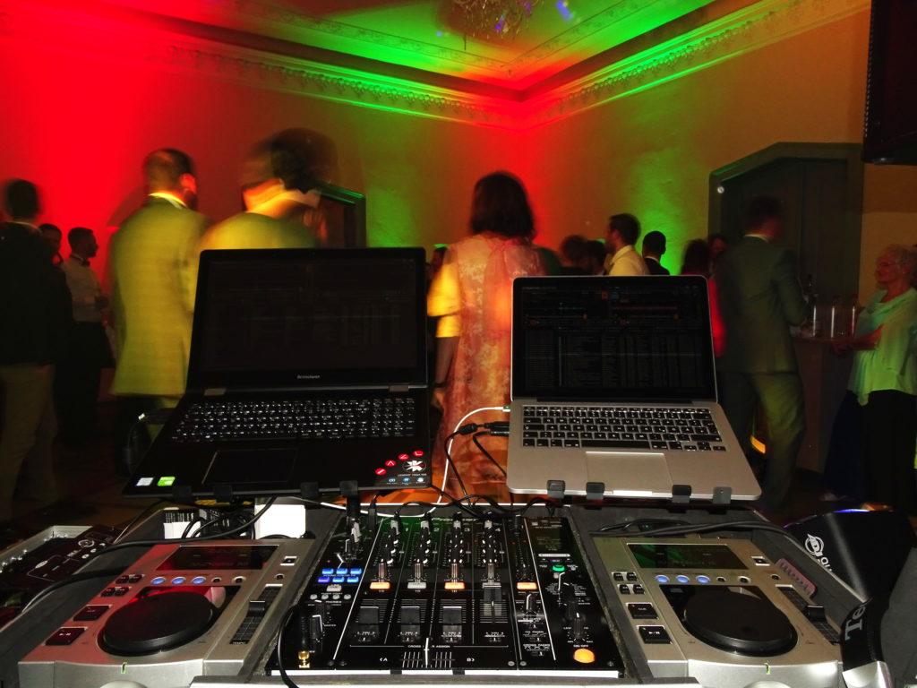 DJ zur Hochzeit in Prenzlau im Schloss Kröchlendorff